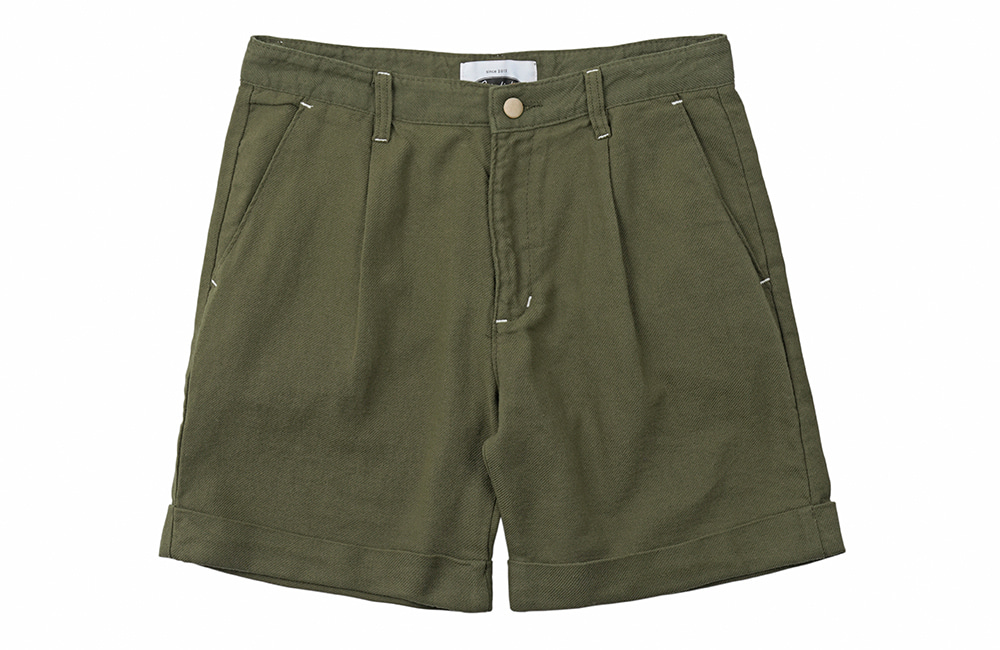 Jungle Cotton One-tuck Shorts (khaki)