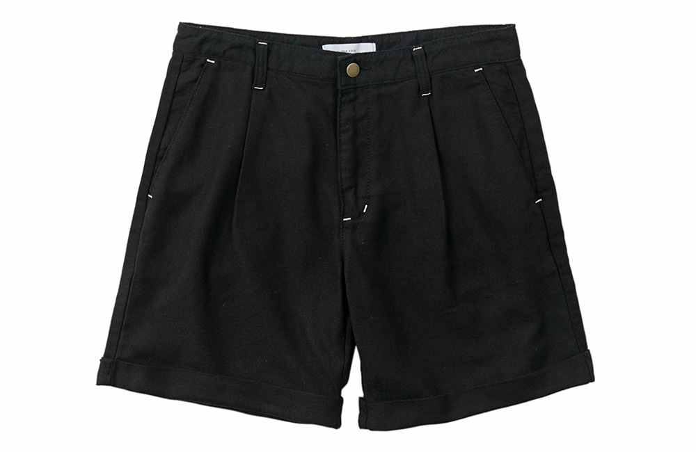 Jungle Cotton One-tuck Shorts (black)